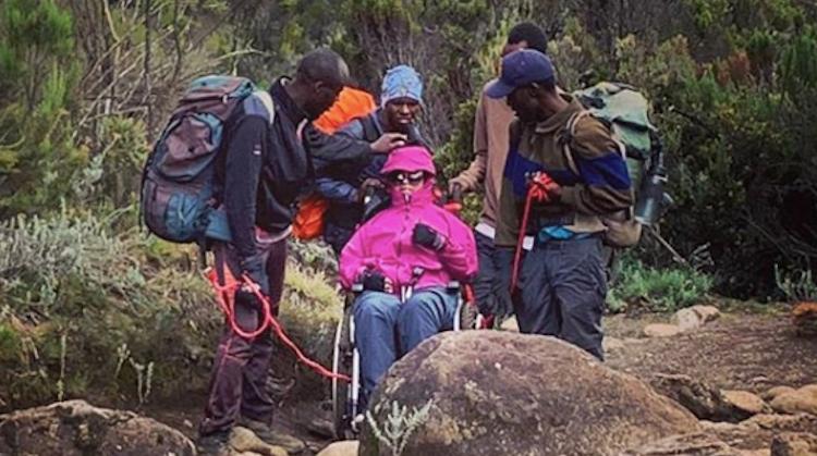 Tarryn beklom in rolstoel de Kilimanjaro afbeelding nieuwsbericht