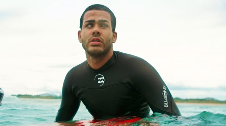 De blinde Derek leerde zichzelf surfen afbeelding nieuwsbericht
