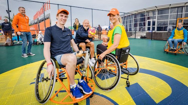 Olympic Festival: demonstratieduel rolstoelhandbal grote blikvanger op dag van inclusie afbeelding nieuwsbericht