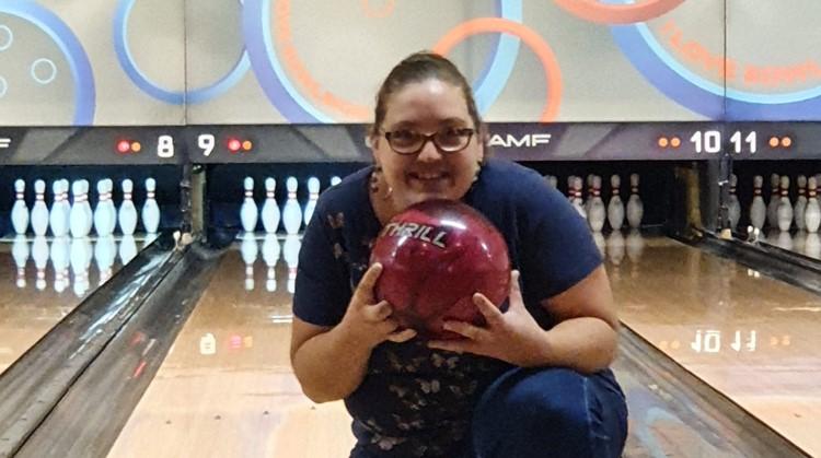 Amy (27) gooit al haar frustraties eruit op de bowlingbaan afbeelding nieuwsbericht