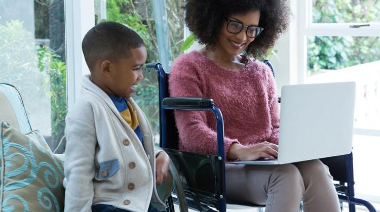"""Een brief aan de moeder in de rolstoel: """"Jij bent de bom!"""" afbeelding nieuwsbericht"""