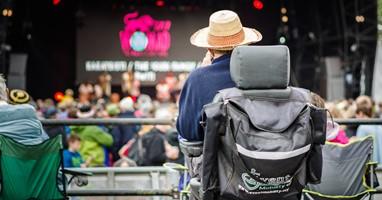 Afbeelding Zo ga je naar een festival in een rolstoel