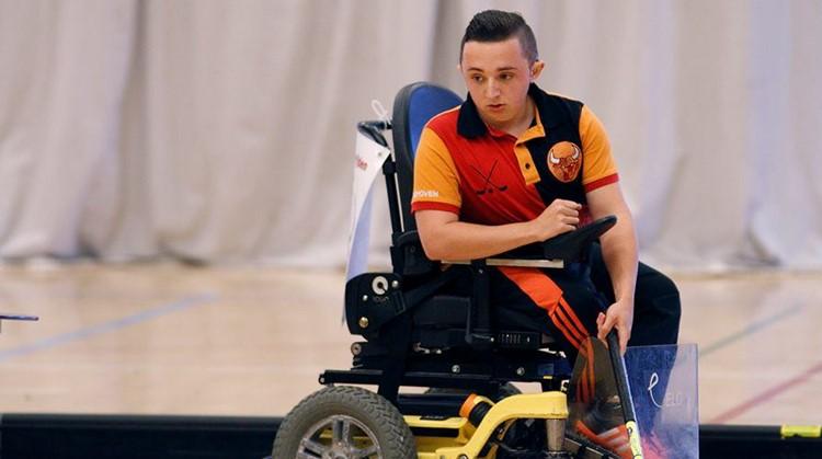Jules (19) heeft ontelbaar keren zijn botten gebroken en toch kan niets hem stoppen afbeelding nieuwsbericht