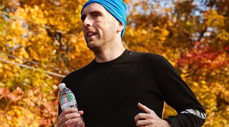 Simon (35, blind sinds zijn 17e) liep de marathon van New York – zonder gids afbeelding nieuwsbericht
