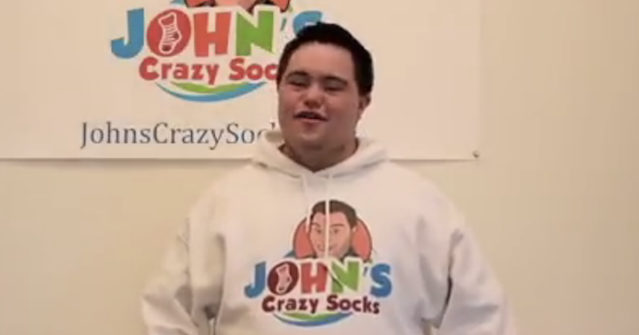 John (21) heeft het syndroom van Down en runt een miljoenenbusiness afbeelding nieuwsbericht