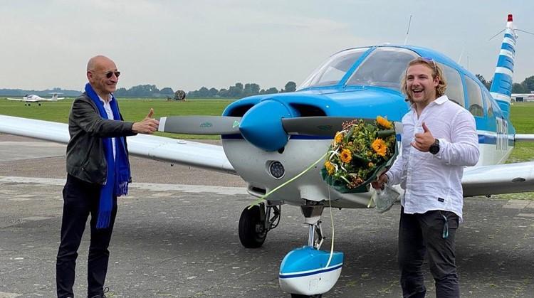 Chris Vos haalt vlieglicentie met één been afbeelding nieuwsbericht