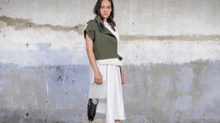 Tof! Anna Walhof ontwierp (25) een modelijn voor mensen die een arm of been missen afbeelding nieuwsbericht