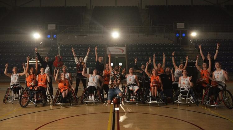 Band ENORM brengt met 'Up' unieke ode aan Nederlandse rolstoelbasketbalsters afbeelding nieuwsbericht