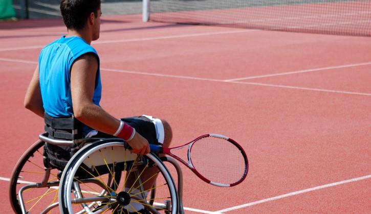 Zijn rolstoeltenniscarrière begon dankzij een simpele advertentie uit de krant afbeelding nieuwsbericht