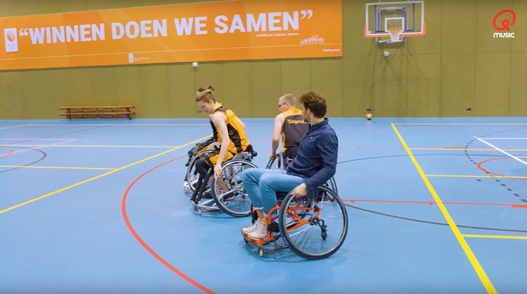 Qmusic DJ voelt hoe zwaar rolstoelbasketbal is afbeelding nieuwsbericht