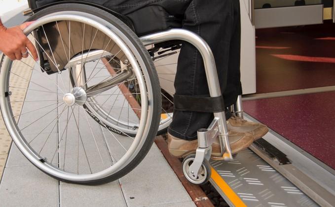 Dat kan beter! Reizen met de trein of bus als je slechtziend bent of in een rolstoel zit. afbeelding nieuwsbericht