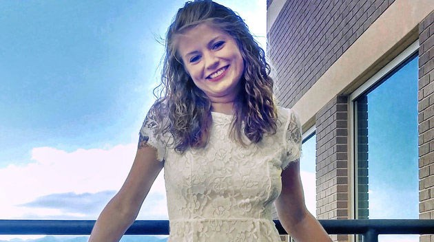 24-jarige Mandy verovert harten met haar hilarische Tinder-profiel afbeelding nieuwsbericht