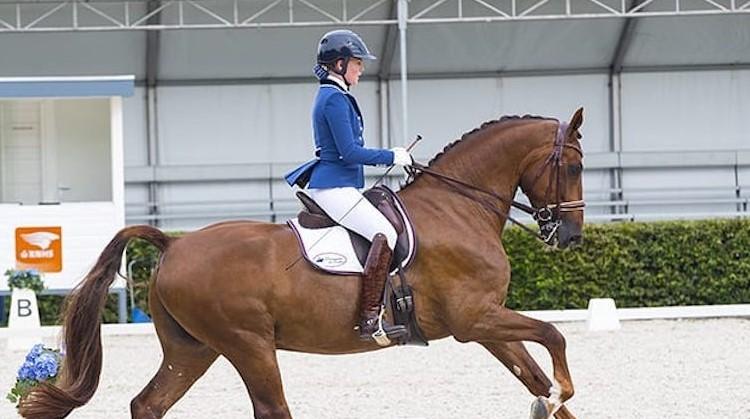 Esra rijdt paard met onzichtbare beperking afbeelding nieuwsbericht