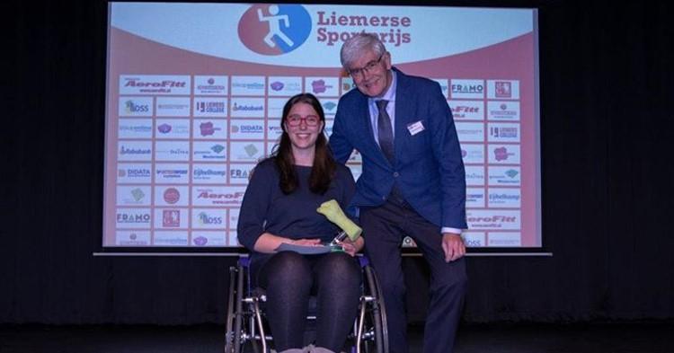 Liemerse sportprijs aangepast sporten voor zitvolleybalster Renske den Haan! afbeelding nieuwsbericht