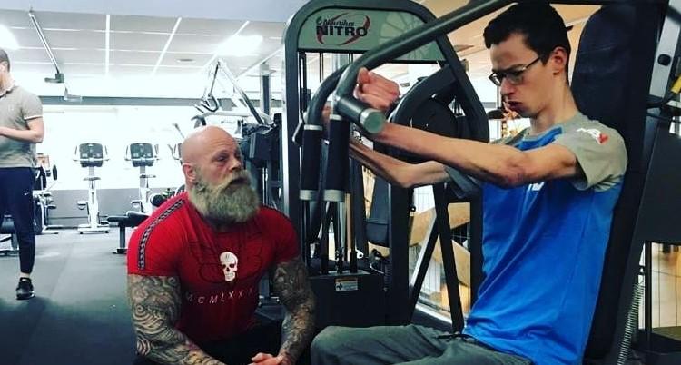 Thijs ging van rolstoel naar bodybuilding afbeelding nieuwsbericht
