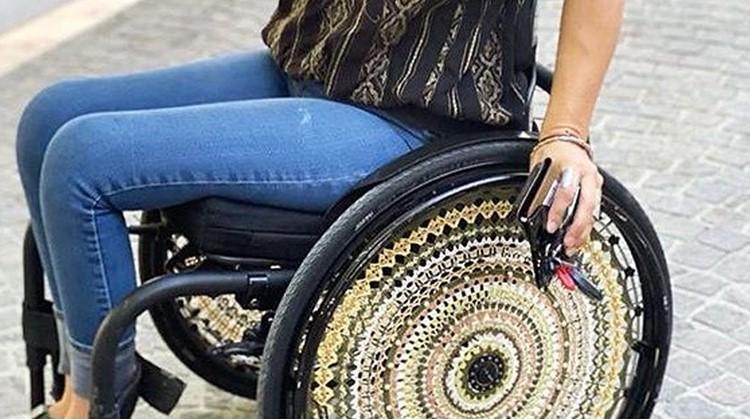 Restyle je rolstoel met dit hippe haakwerk! afbeelding nieuwsbericht