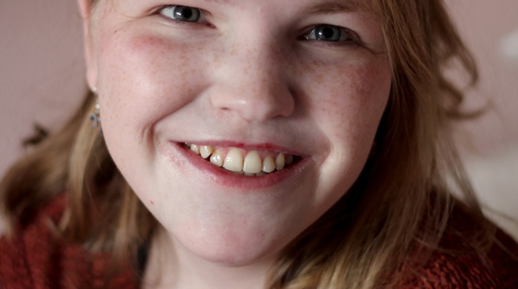 Vivian (23) verkent het uitgaansleven in haar rolstoel afbeelding nieuwsbericht