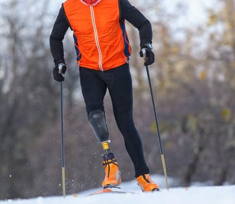 Dit kun je allemaal met een prothese als je op wintersport gaat. afbeelding nieuwsbericht