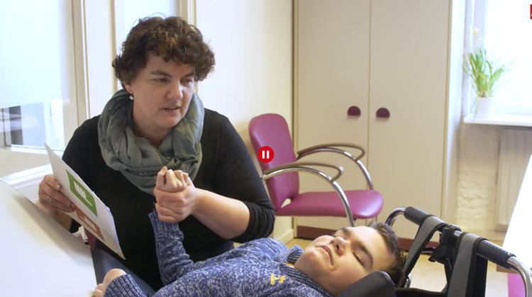 Zwaar gehandicapte Niels-Jan kan toch leren afbeelding nieuwsbericht
