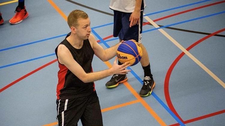 """Niels Vermeule (26): """"Ik ben verslaafd aan basketbal en nu wil ik meer"""" afbeelding nieuwsbericht"""
