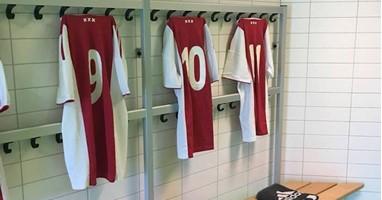 Afbeelding Ajax Only Friends start met blindenvoetbal