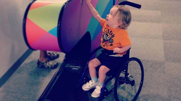 Moeder schrijft lief briefje aan het jongetje dat leven van haar gehandicapte zoon veranderde afbeelding nieuwsbericht