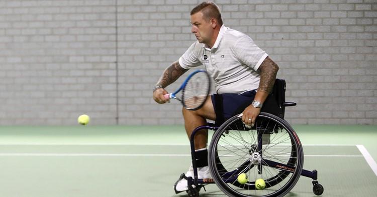 Fijn rolstoeltennissen bij TV Beekhuizen in Velp! afbeelding nieuwsbericht