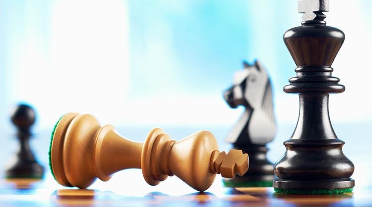 Met deze schaakstukken voel jij het verschil tussen zwart en wit afbeelding nieuwsbericht