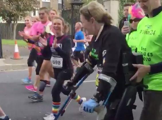 Claire (37) kreeg een dwarslaesie – en ging toen even 16 kilometer lopen afbeelding nieuwsbericht