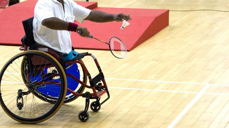 Hoe handig ben jij met een racket en je rolstoel? Probeer het uit bij rolstoelbadminton! afbeelding nieuwsbericht