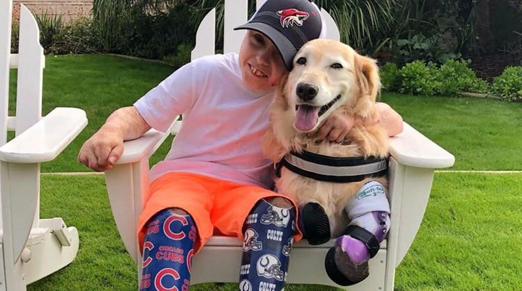 Owen (10) met geamputeerde benen ontmoet zijn grote held afbeelding nieuwsbericht