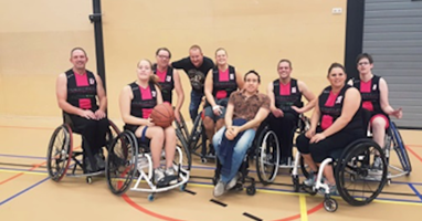Afbeelding Basketbal en een dolletje bij 024 on Wheels
