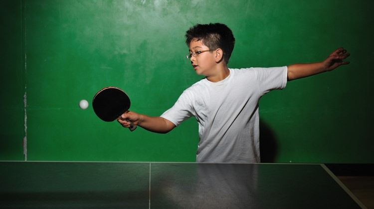 Jeroen (10 jaar, heupaandoening) kreeg zelfvertrouwen door te gaan tafeltennissen afbeelding nieuwsbericht