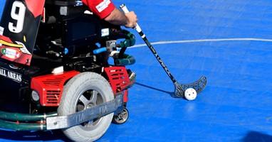 Afbeelding E-hockey: scheuren in je elektrische rolstoel