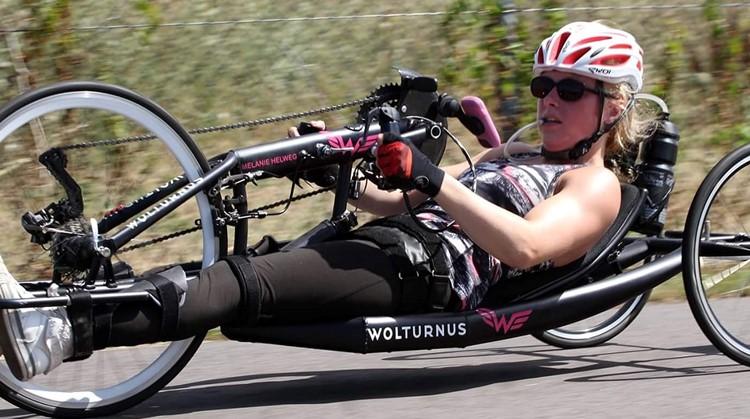 Melanie is vrolijker door het handbiken afbeelding nieuwsbericht