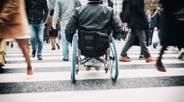 De nieuwe lover van Jolanda (26) zit in een rolstoel afbeelding nieuwsbericht