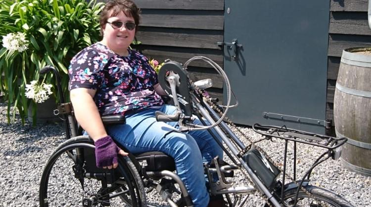 Mienke (26) zoekt nog een handbike maatje! afbeelding nieuwsbericht