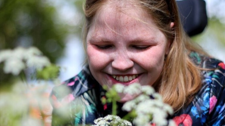 Vivian (23, meervoudig beperkt) droomt van solo paardrijden, maar kan dat wel? afbeelding nieuwsbericht