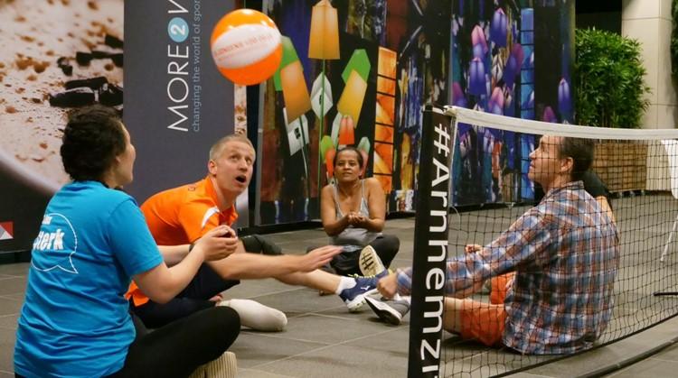 Social enterprise More2win geeft aangepast sporten duwtje in de rug rondom WK Zitvolleybal afbeelding nieuwsbericht