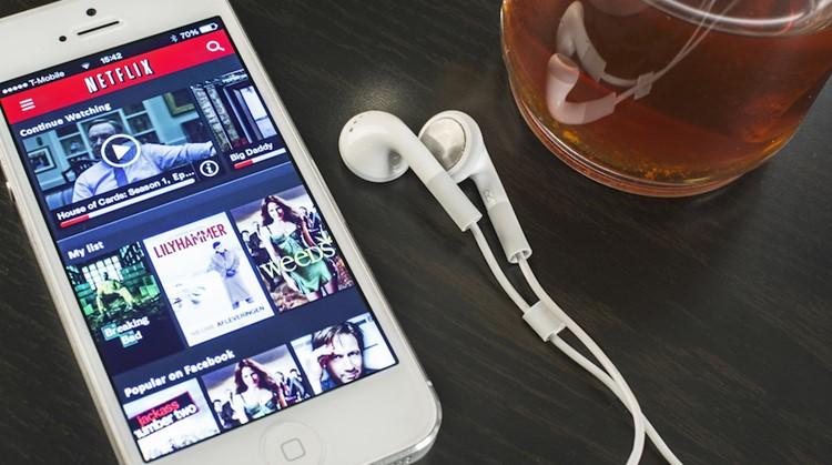 Netflix past app aan voor kijkers met beperking afbeelding nieuwsbericht