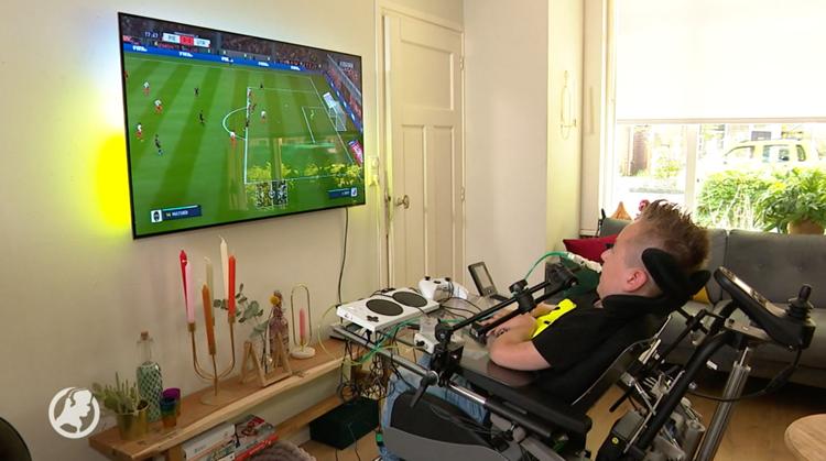 Uitvinder helpt Juda bij gamen vanuit rolstoel afbeelding nieuwsbericht