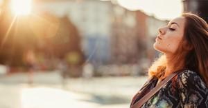 'Hoe ik dankzij mediteren mijn leven weer onder controle kreeg na een zwaar ongeluk' afbeelding nieuwsbericht