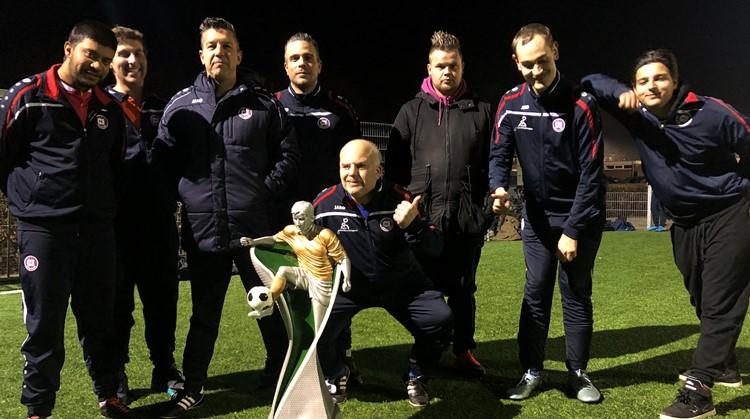 Al vier jaar vormen de jongens van FC Abcoude een hecht team afbeelding nieuwsbericht