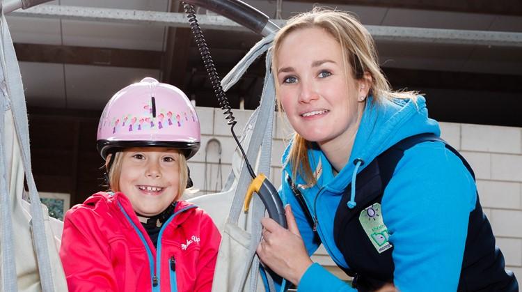 Nieuwe tillift voor gehandicapte ruiters bij Stichting Bio afbeelding nieuwsbericht
