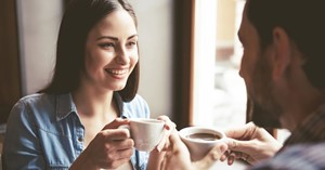 9 dingen die je niet moet zeggen op een eerste date met iemand die een ledemaat mist afbeelding nieuwsbericht