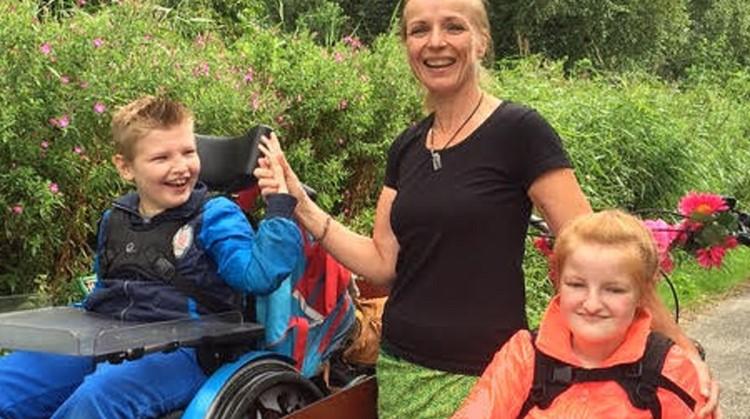 Ongelofelijk: de meervoudig beperkte Charo (13) en Djavi (11) doen aan triathlons en obstacle runs mee afbeelding nieuwsbericht