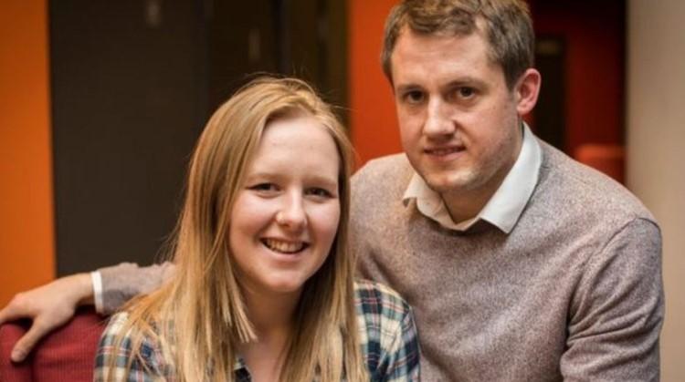 Dit stel kreeg beide op jonge leeftijd een hersenbloeding - en vond elkaar per toeval afbeelding nieuwsbericht