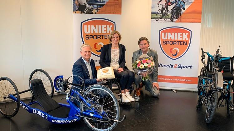 Samenwerkingspartners achter Wheels2Sport vieren contractverlenging met een feestelijke ondertekening afbeelding nieuwsbericht