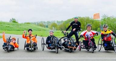 Afbeelding Van fanatiek wielrenner tot handbiketrainer