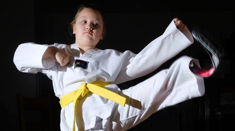 Doorzetter Maisie mag na 4 maanden taekwondo naar de Paralympische spelen afbeelding nieuwsbericht